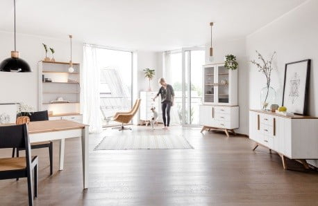 Komody, stoly a postele z ďalekého Tallinnu