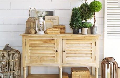 Nábytok z borovicového a exotického dreva