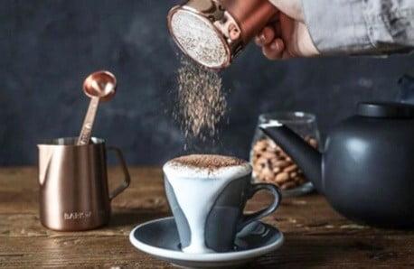 Všetko potrebné na prípravu kávy aj čaju