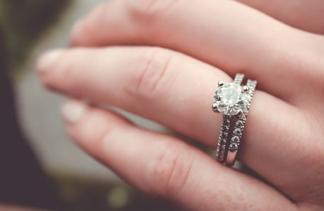 Strieborné náušnice, prstene a náhrdelníky s pravými diamantmi