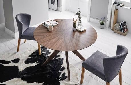 Dostupná kvalita stoličiek, stolov a pufov sømcasa