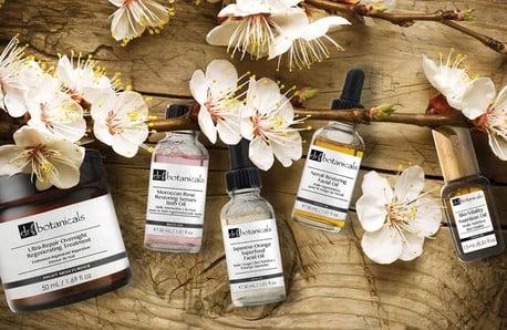 Kozmetika Dr. Botanicals, vďaka ktorej sa budete vo svojej koži cítiť skvele!