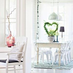 Krásny nábytok v jemných farbách