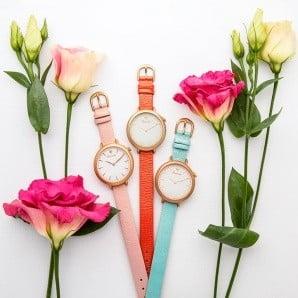 Nápadité Britské dámske hodinky s nápadom