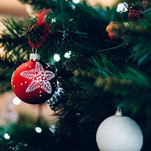 Vianočná výzdoba a dekorácie do sviatočného interiéru