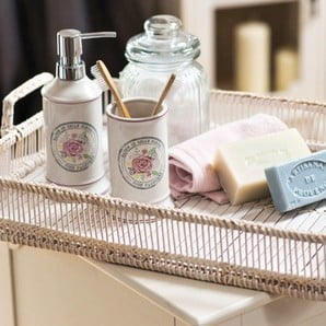 Privítajte v kúpeľni aj kuchyni kúsok britského šarmu