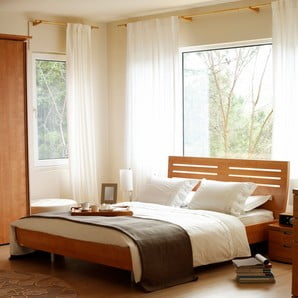 Drevený nábytok pre domov oslavujúci krásu prírody