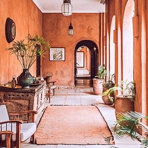 Navštívte interiér nabitý energiou a kontrastmi