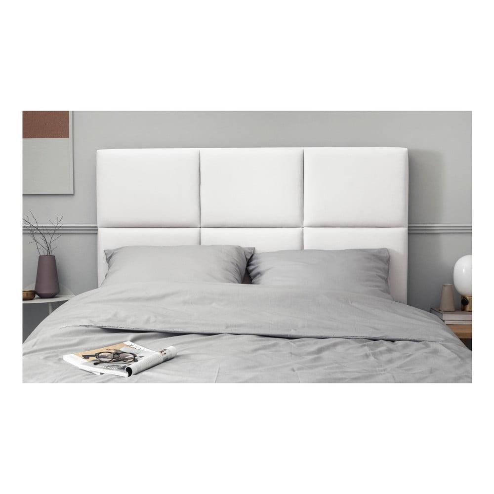Biele čalúnené čelo postele THE CLASSIC LIVING Aude, 180 × 120 cm Chcete si vo vlastnej posteli hovieť ako naozajstný kráľ alebo kráľovná?  Nespornou výhodou je tiež výborne zvolený materiál poťahu, ktorý <b>pôsobí veľmi jemne na dotyk</b>, ale zároveň je vyvinutý tak, aby jeho <b> údržba </b> bola úplne <b>bezproblémová</b>.  <p> <b> Čo je to Martindale test?  Pri teste Martindale sa otáča normovaný plstený kotúč, ktorý stále sa zosilňujúcim tlakom na povrch tkaniny dôjde až do momentu, keď sa pretrhnú prvé dve vlákna textílie alebo sa do povrchu prederie diera.  A pre porovnanie: bežná poťahová látka máva počet cyklov Martindale od 20 000 do 45 000.