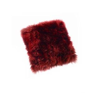 Červený vankúš z ovčej kožušiny Royal Dream Sheepskin, 30 x 30 cm