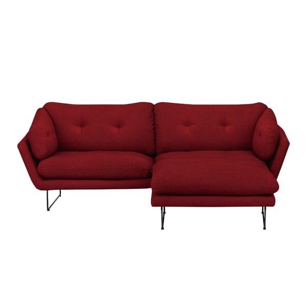 Set červenej trojmiestnej pohovky a sedacieho pufu Windsor & Co Sofas Comet