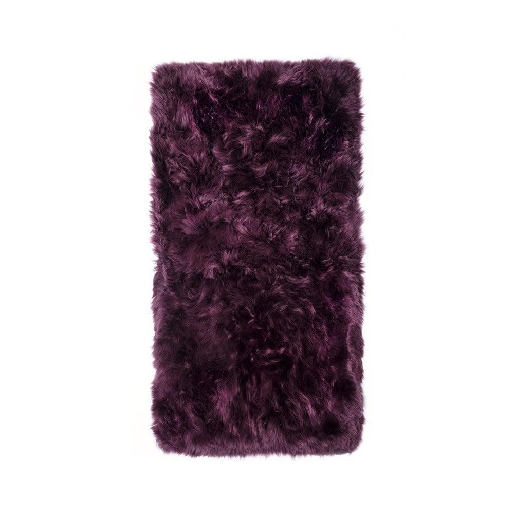 Tmavovínový obdĺžnikový koberec z ovčej vlny Royal Dream Zealand, 140 × 70 cm