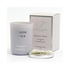 Vonná sviečka v skle zo sojového vosku s vôňou exotického korenia Candle-Lite, doba horenia až 50 hodín