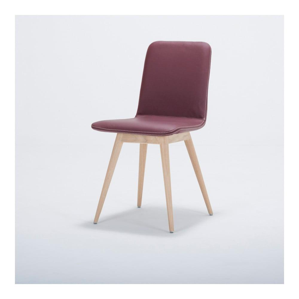 Jedálenská stolička z masívneho dubového dreva s koženým vínovým sedadlom Gazzda Ena