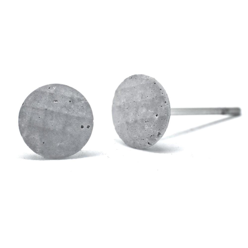 Sivé betónové náušnice od Jakuba Velínskeho Dots