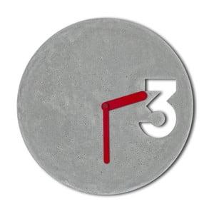 Betónové hodiny od Jakuba Velínského, plné červené ručičky