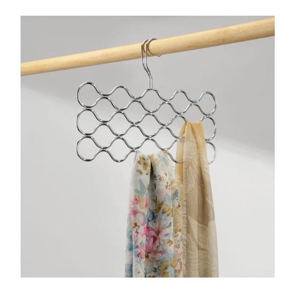 Kovový držiak na oblečenie InterDesign Classico Loop, dĺžka 42 cm