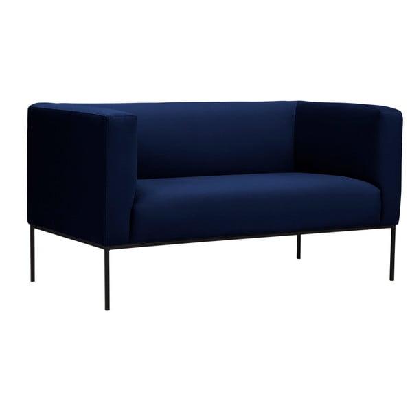 Tmavomodrá zamatová dvojmiestna pohovka Windsor & Co Sofas Neptune