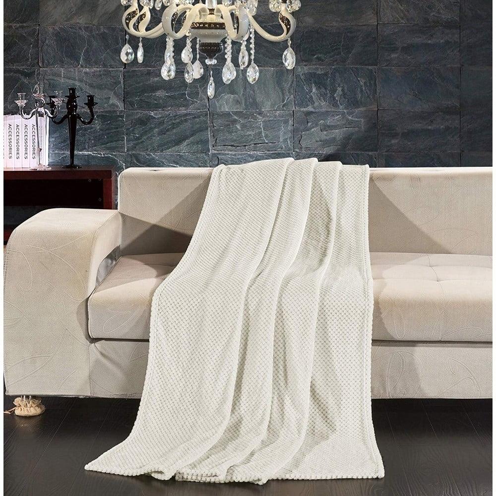Krémovobiela deka z mikrovlákna DecoKing Henry, 220×240cm Túžite po jemnučkej deke, do ktorej sa zababušíte napríklad pri sledovaní televízie alebo pri čítaní napínavej knihy?  Tak to sa vám táto deka <b>DecoKing</b> iste zapáči.