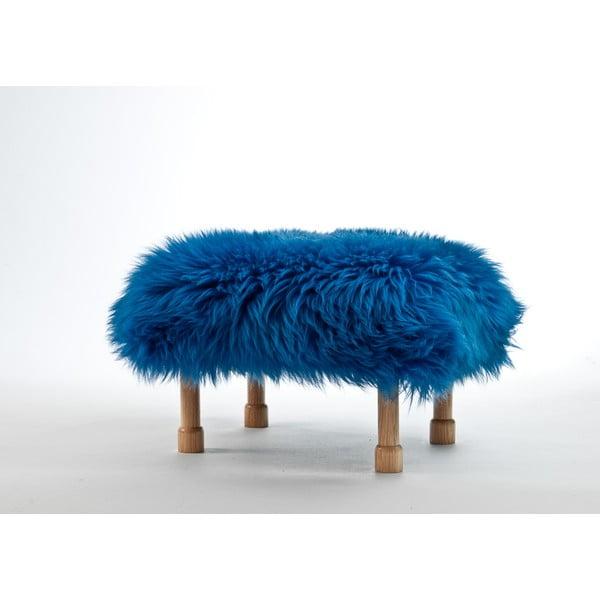 Stolička z ovčej kože Dilys Cornflower Blue