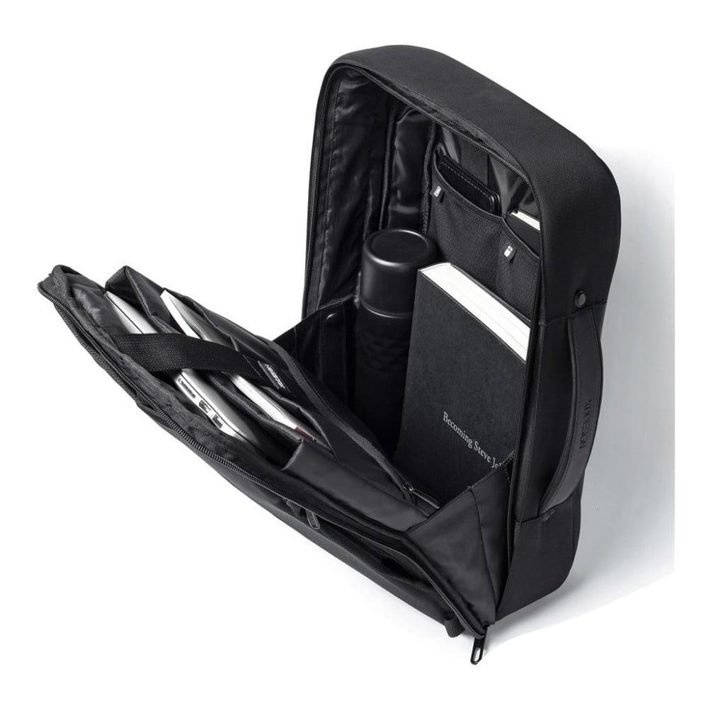 Čierny bezpečnostný batoh XD Design Bobby Bizzy, 10 l <b>Bobby je váš nový najlepší kamoš.</b>  S touto vecičkou už vreckári nebudú mať šancu!  Bobby vás ohromí <b>schovaným zipsom, tajnými vreckami, vysokoodolným povrchom, ktorý nemožno prerezať a je 100% nepremokavý, ochrannými reflexnými pruhmi a USB prístupom k vašej powerbanke.</b>  Vnútri je batoh <b>rozdelený prehľadnými vreckami</b>, kde si každá drobnosť nájde svoje miesto.  Bobby sa vám bude nosiť s ľahkosťou, ďalšou z jeho skvelých vlastností totiž je <b>vyváženie hmotnosti</b>, ktoré je spôsobené početnými vnútornými vreckami, vďaka ktorým je <b>hmotnosť prenášaných vecí tlačená smerom nadol, nie do vášho chrbta</b>, ako to býva u iných batohov!  <iframe width=