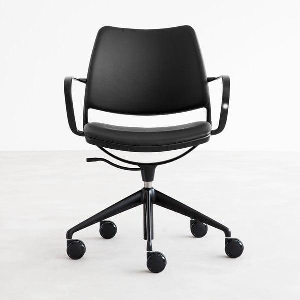 Čierna kožená stolička na kolieskach s čiernymi nohami Stua Gas Swivel