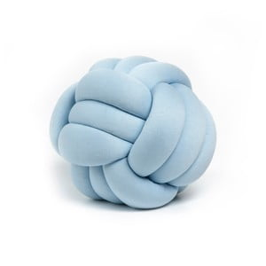 Modrý dekoratívny vankúš Knot, ⌀30 cm