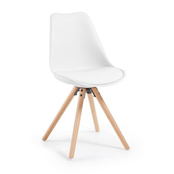 Biela stolička s bukovými nohami loomi.design
