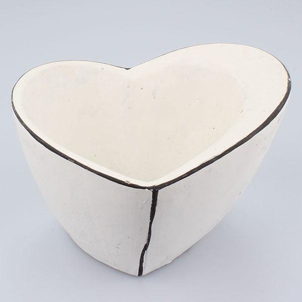 Biely betónový kvetináč Dakls Vintage Heart