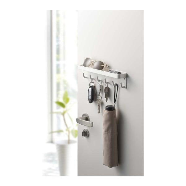 Biely vešiak na kľúče s poličkou YAMAZAKI Smart