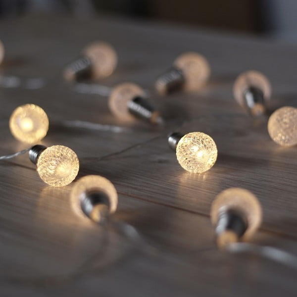 Svietiaca reťaz v tvare guličiek DecoKing Cicle, 2,4 m