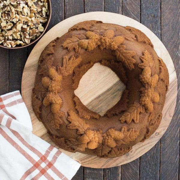 Forma na pečenie s motívom dubových lístkov a žaluďov Nordic Ware