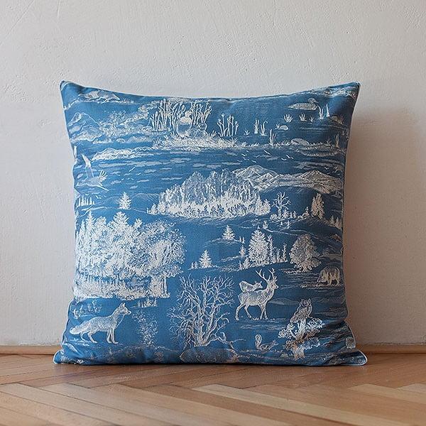 Vankúš s výplňou Dark Blue Forest, 50x50 cm