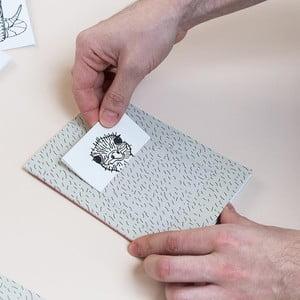 Zápisník z recyklovaného papiera s priehradkou a maľovankami od štúdia Voala pre KlokArt, 60 strán