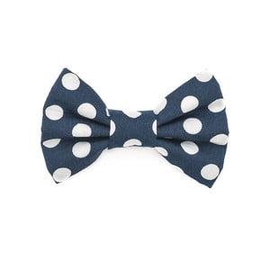 Modrý charitatívny psí motýlik s veľkými bodkami Funky Dog Bow Ties, veľ. S