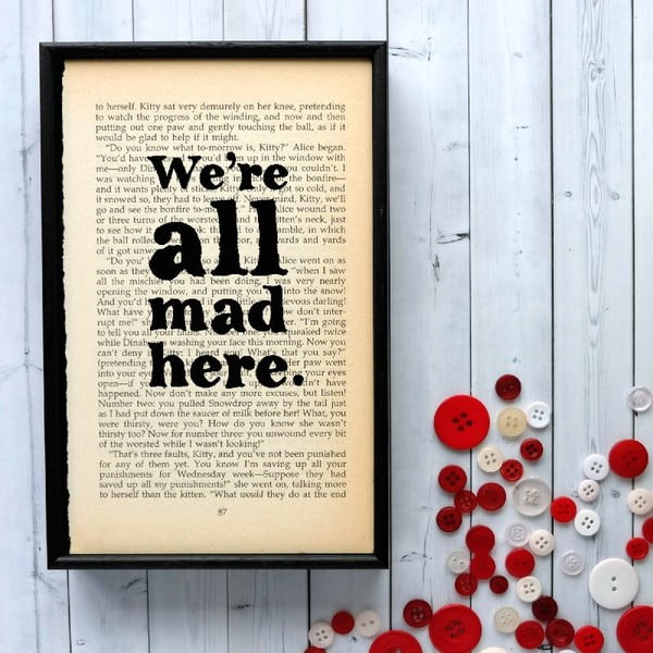 Plagát v drevenom ráme Alice in Wonderland All Mad Here