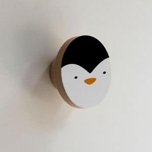 Drevený vešiak v tvare zvieraťa Little Nice Things Penguin
