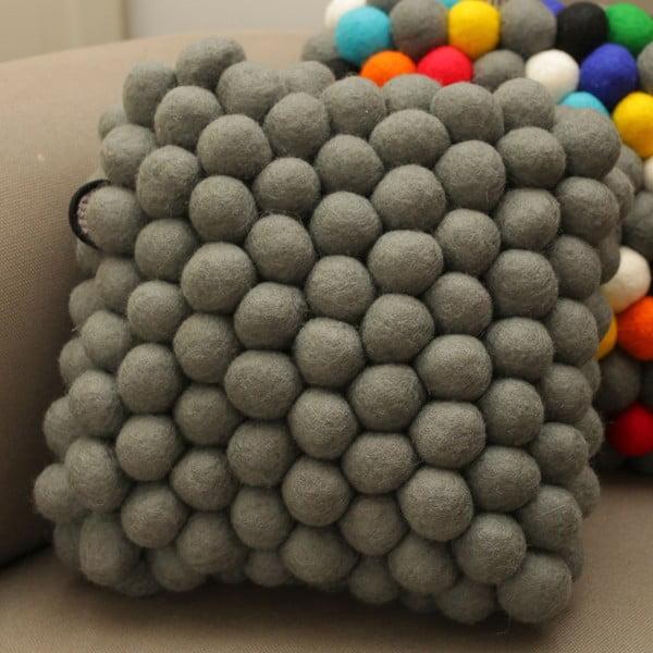 Ručne vyrobený guličkový vankúšik Cells
