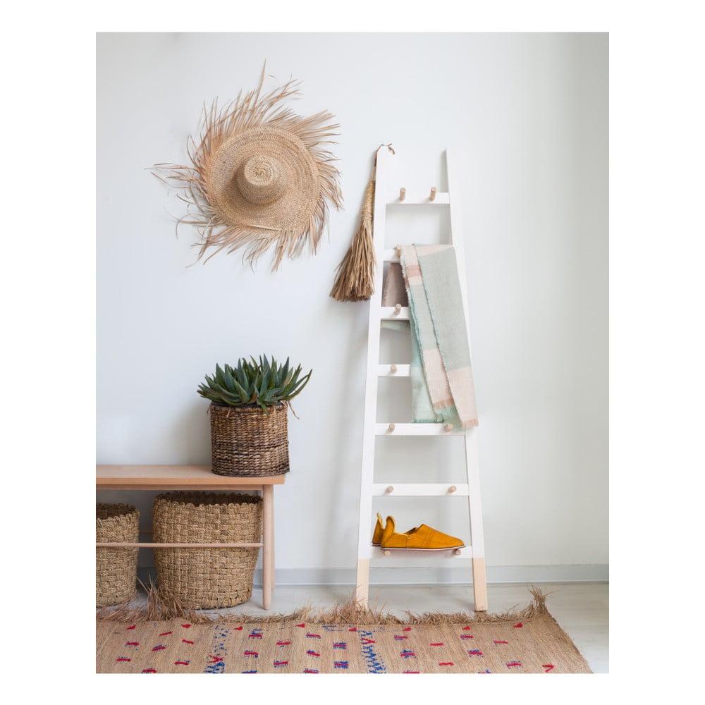 Biely odkladací dekoratívny rebrík z borovicového dreva Surdic Blanco Surdic v preklade znamená