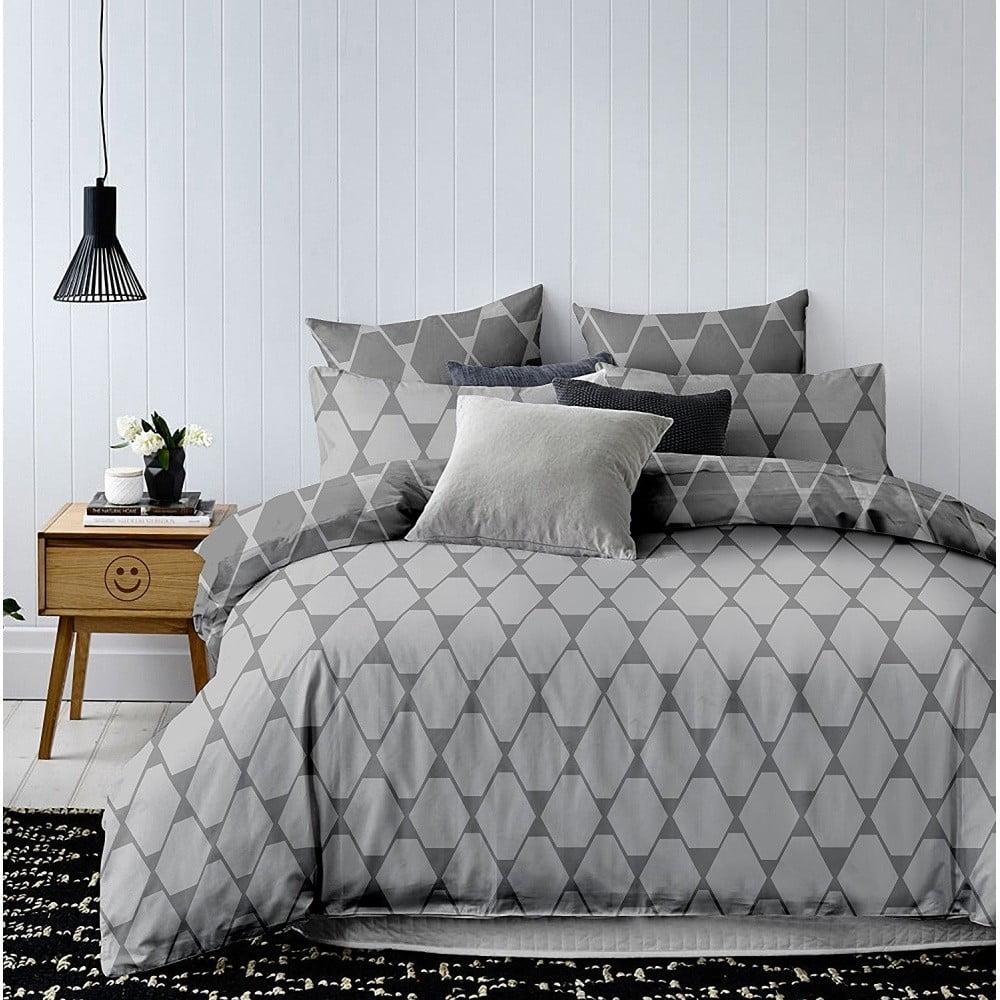 Sivé obojstranné obliečky na jednolôžko z mikrovlákna DecoKing Hypnosis Rhombuses, 220 x 140 cm