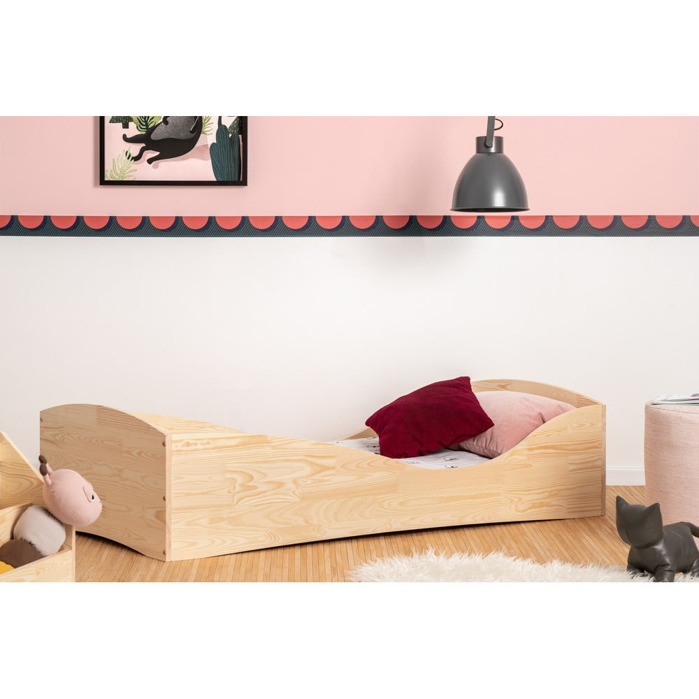 Detská posteľ z borovicového dreva Adeko Pepe Elk, 60 x 120 cm