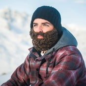 Čierna čiapka s odopínateľnou hnedou bradou Beardo Original Thick