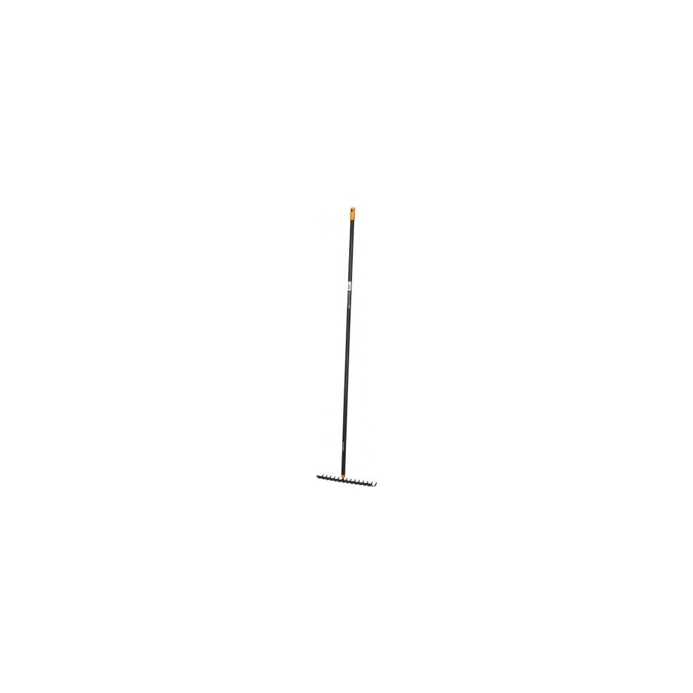 Čierne hliníkové univerzálne hrable s násadou Fiskars Solid, šírka 35,8 cm