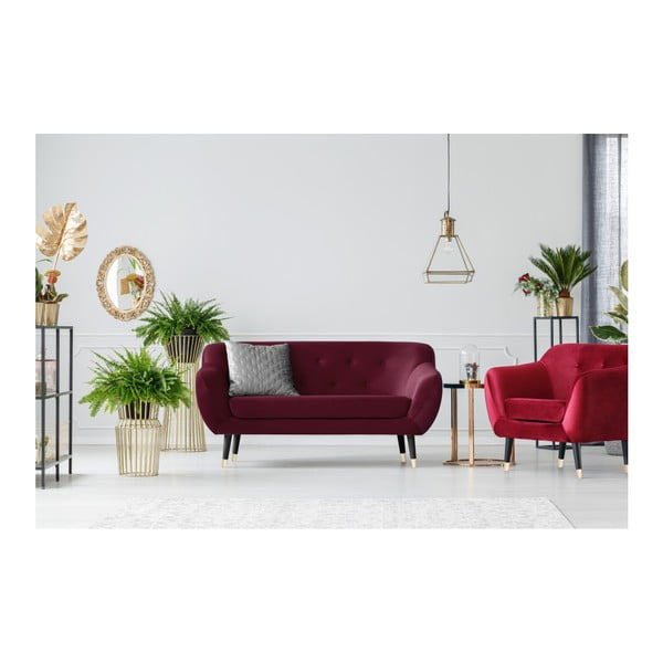 Vínovočervená dvojmiestna pohovka s čiernymi nohami Mazzini Sofas Amelie