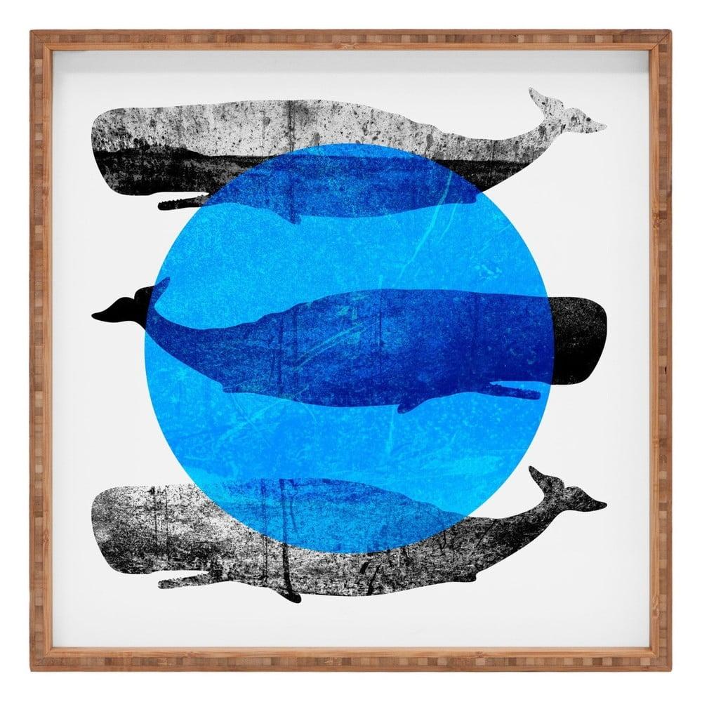 Drevený dekoratívny servírovací podnos Whale, 40 × 40 cm