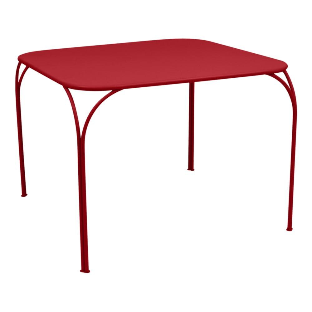 Červený záhradný stolík Fermob Kintbury