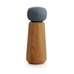 Mlynček z dubového dreva na korenie s antracitovým detailom z porcelánu Kähler Design Hammershoi, výška 17,5 cm
