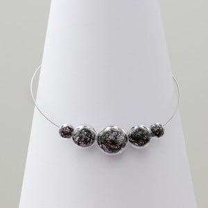 Čierny sklenený náhrdelník ko–ra–le Wired 6
