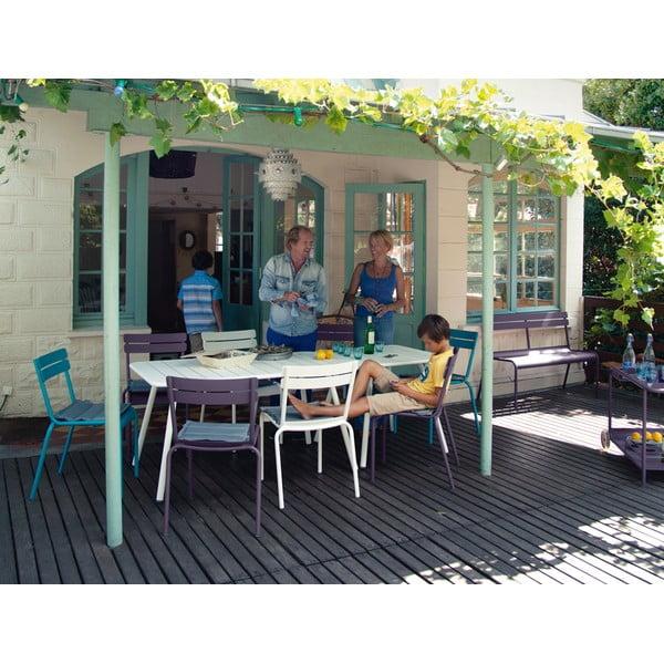 Fialový kovový jedálenský stôl Fermob Luxembourg