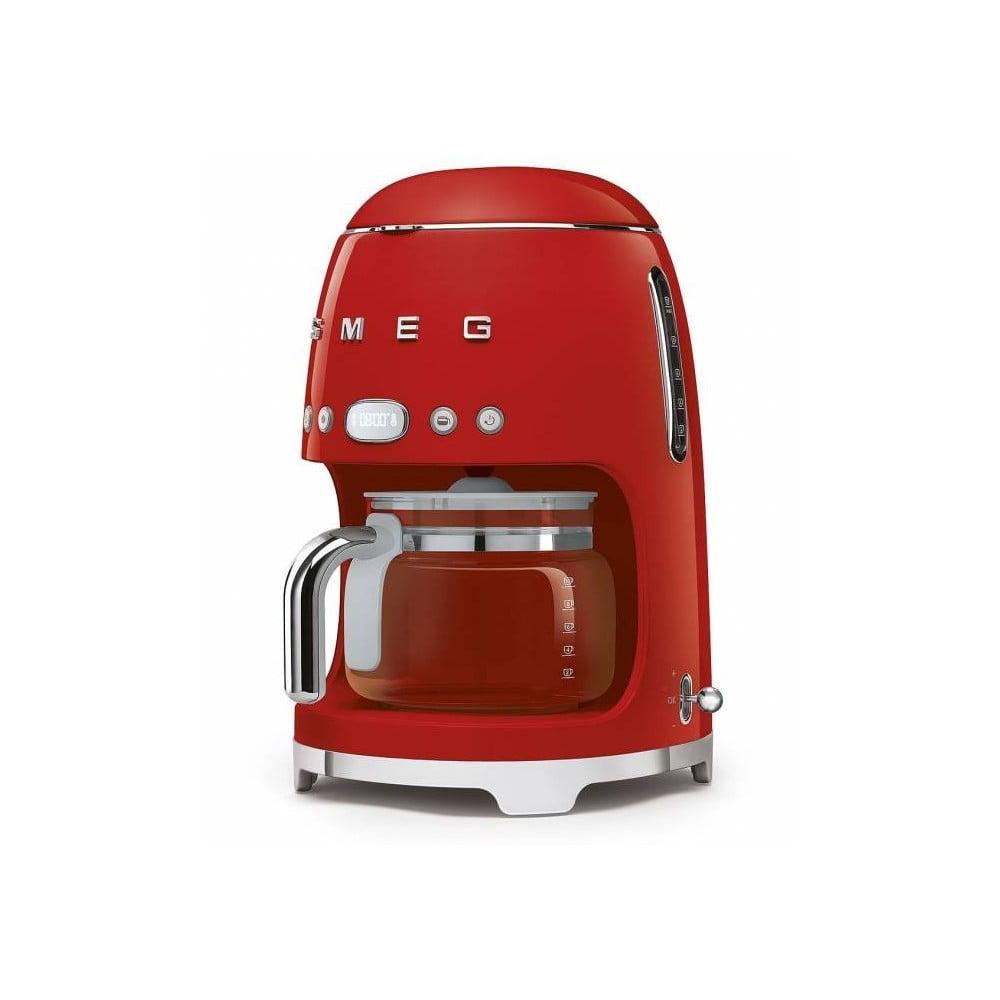 Červený kávovar na filtrovanú kávu SMEG 50's Retro